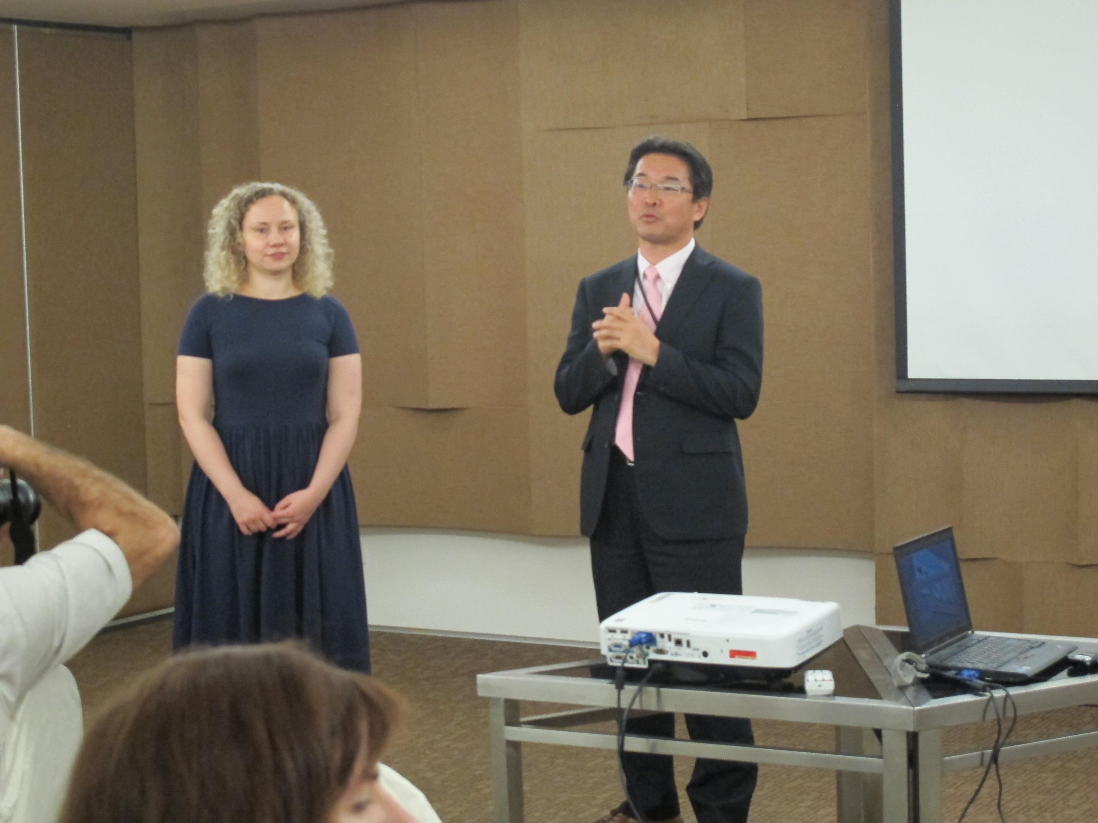 Ямамото Кадзуйоши, глава российского представительства EPSON, отвечает на вопросы аудитории