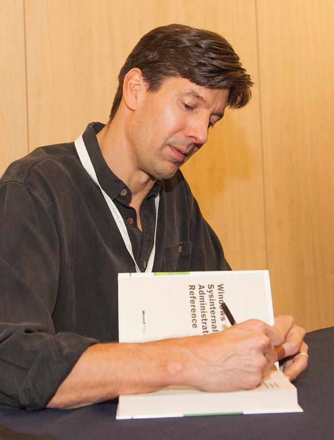 Марк Руссинович на автограф-сессии