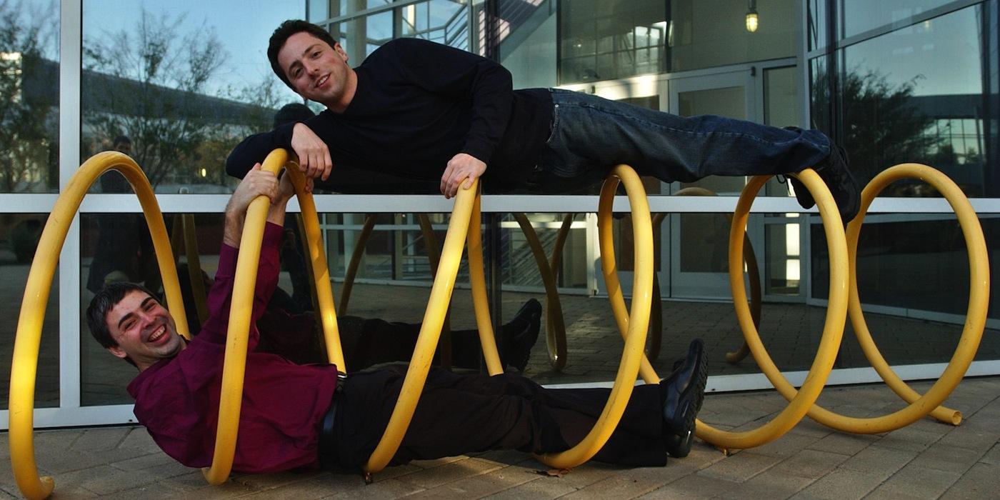 Пейдж и Брин перед публичной продажей акций в 2004 году