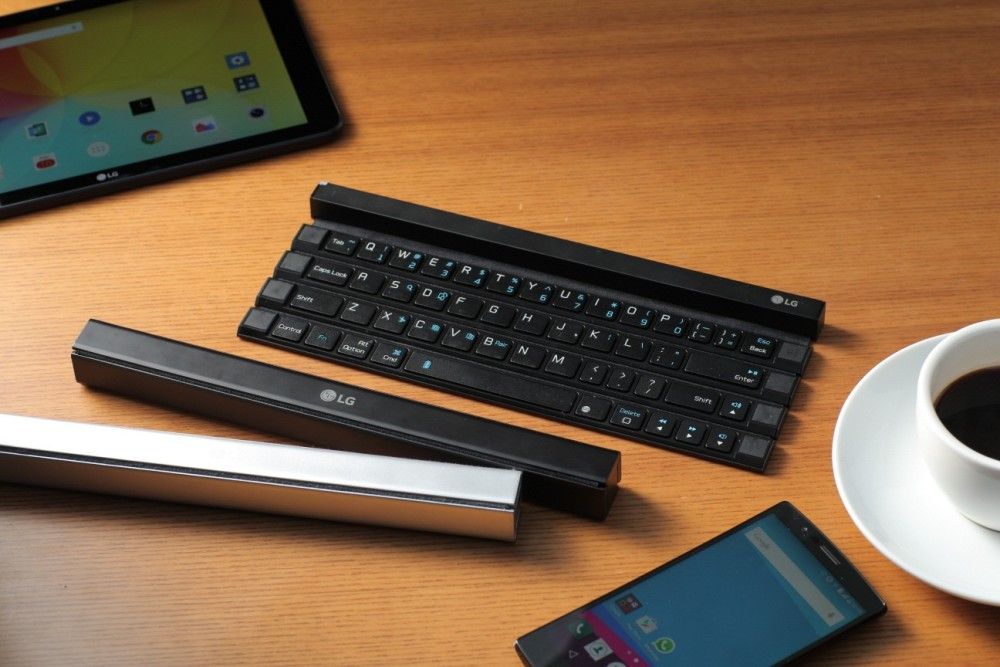 https://xakep.ru/wp-content/uploads/2015/08/LG-Rolly-Keyboard-1-1000x667.jpg