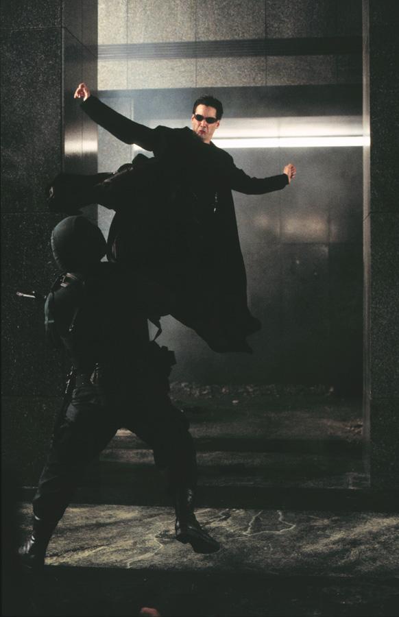 Киану Ривз, дисциплинированный до мозга костей актер, готов был переигрывать любой дубль, даже трюкаческий, до потери пульса