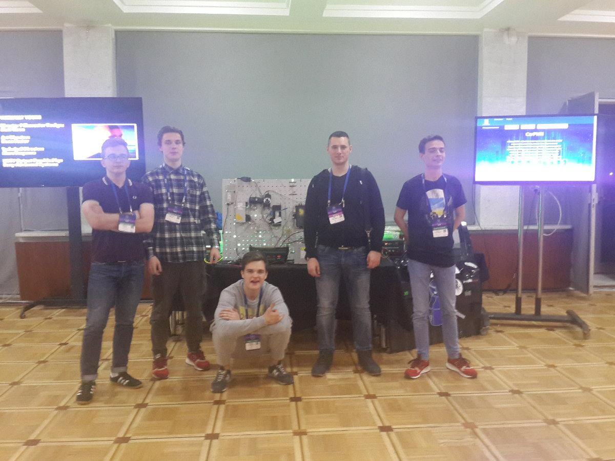 Иван и ребята из Trust после очередной победы в конкурсе CarPWN