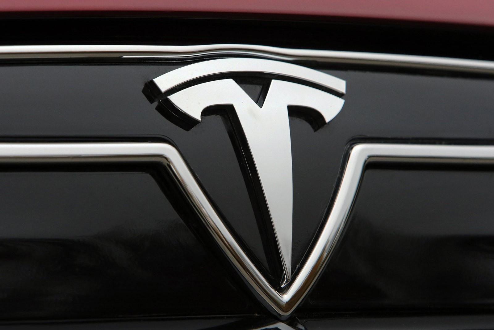 Облачные серверы компании Tesla использовались для майнинга криптовалюты