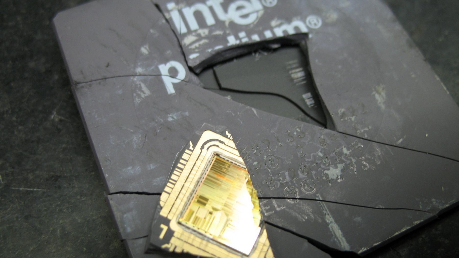 Компания Intel признала, что уязвимости Meltdown и Spectre не могут быть исправлены для ряда процессоров
