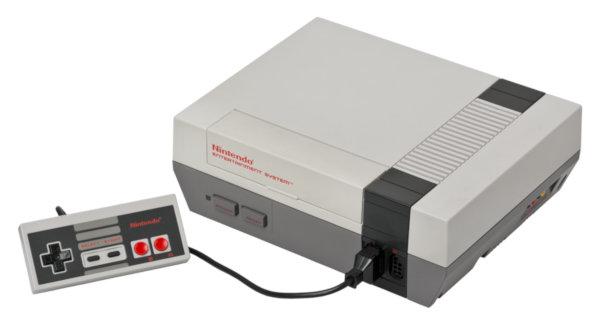 Nintendo Entertainment System. В России таких почти ни у кого не было, поэтому все помнят ее по клонам типа Dendy