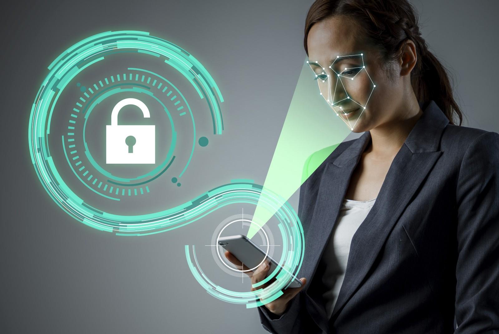 Распознавание лиц в Samsung Galaxy S10 можно легко обмануть