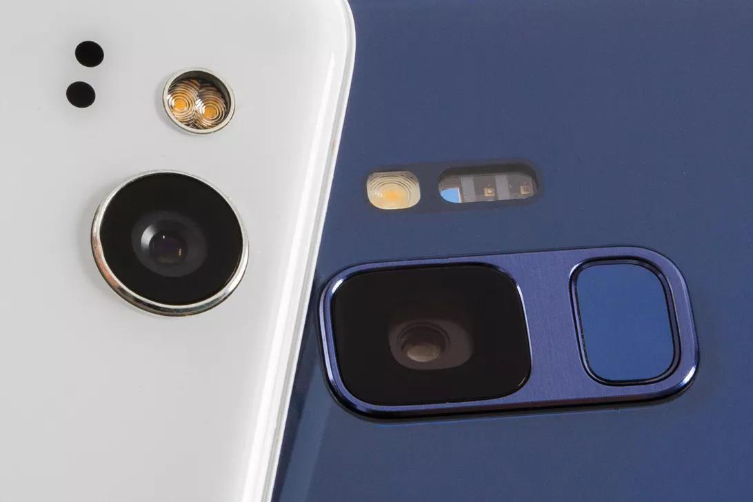 Google и Samsung исправили баг, позволявший приложениям следить за пользователями через камеру
