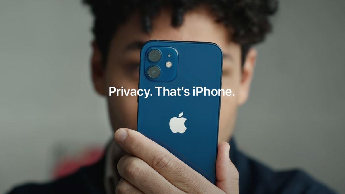 Пока Apple не будет искать в пользовательских фото признаки сексуального насилия над детьми